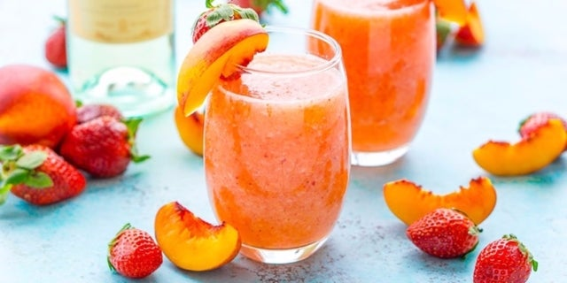 strawberry-peach-white-wine-slushies-recipe-1-1