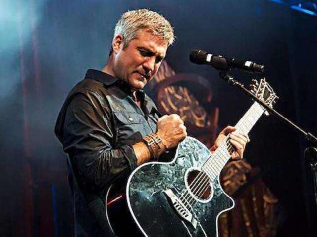 Former 'American Idol' Winner Taylor Hicks Repeats Claim That Contestants Knew About Eliminations