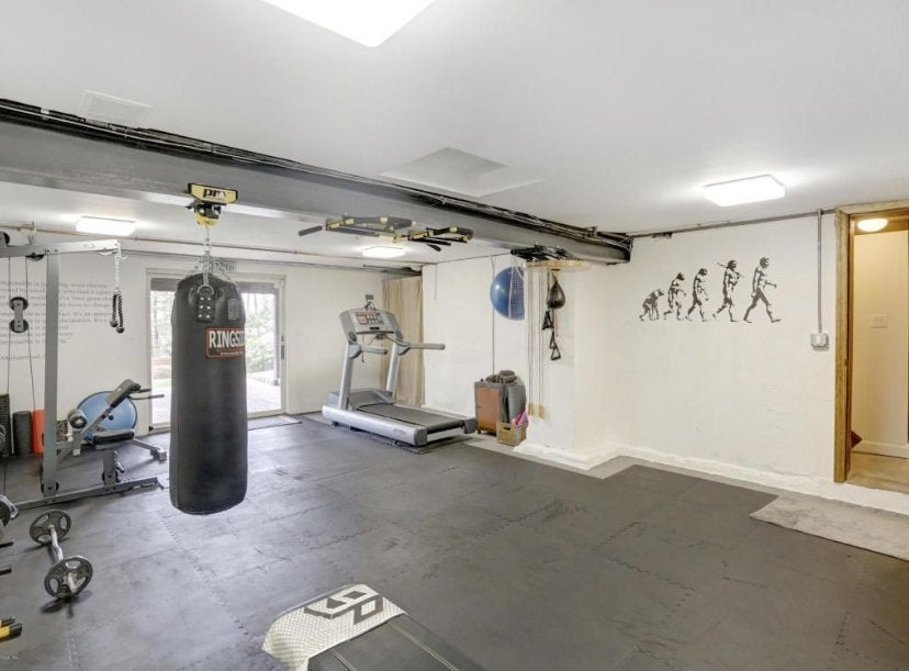 theo-rossi-mansion-11-gym