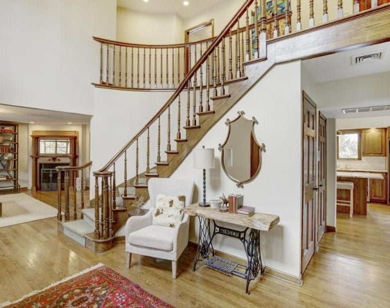 theo-rossi-mansion-3-staircase