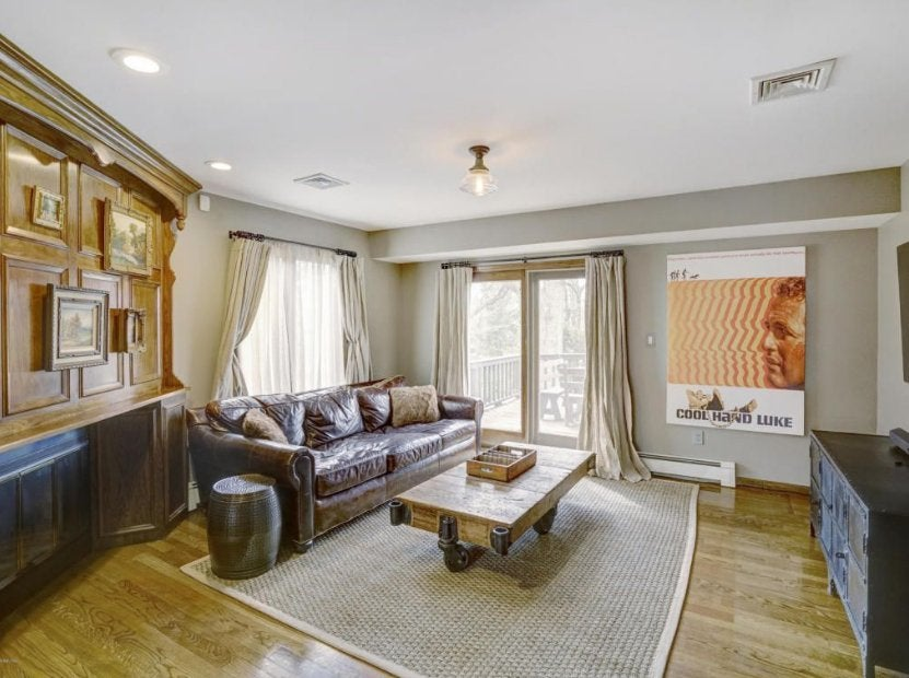 theo-rossi-mansion-5-living-room