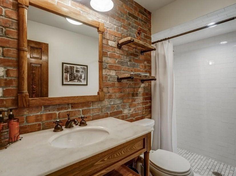 theo-rossi-mansion-8-bathroom