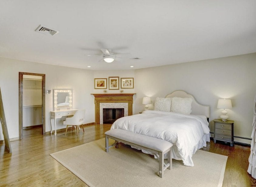theo-rossi-mansion-9-master-bedroom