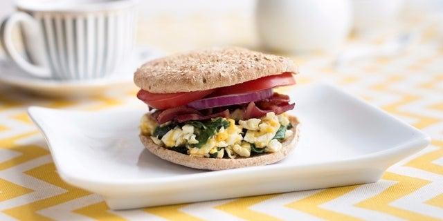 Turkey-Bacon-Egg-White-Spinach-Breakfast-Sandwich_EDIT4