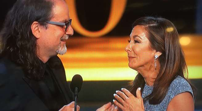 Emmy victor proposes to girlfriend during acceptance speech