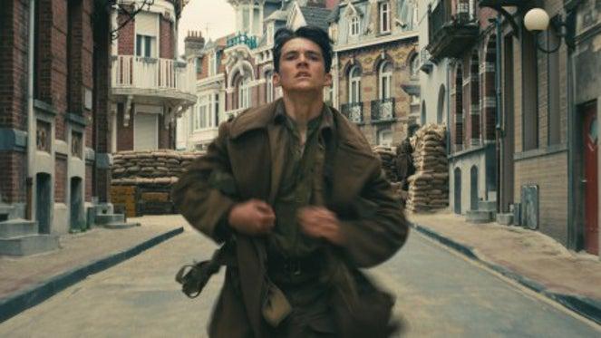 Fionn Whitehead Stars in Chris Nolan's Dunkirk