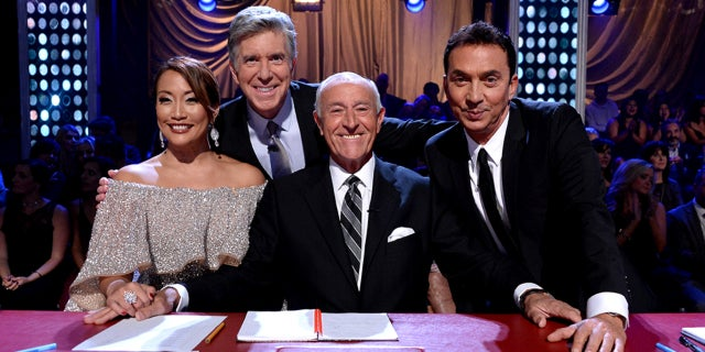 DWTS-Judges-Season-25-Getty-Eric-McCandless-2017-FB