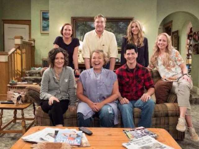 'Roseanne' Photos Show Sneak Peek at New Episodes