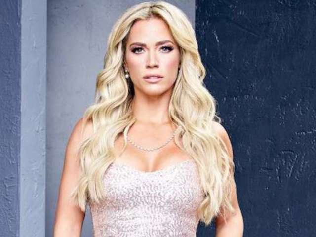 'RHOBH' Star Teddi Mellencamp Details Heartbreaking 'Multiple Miscarriages' Before Son's Arrival