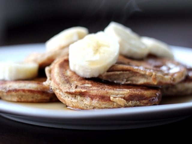 Recipe: Skinny Mini Banana Pancakes