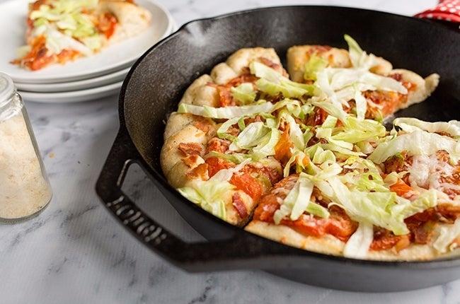 BLT-Skillet-Pizza_RESIZED-13