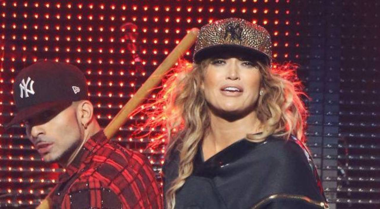 Jennifer Lopez Rocks Yankees Hat at Concert in Support of Alex Rodriguez bfe7ecfdec7