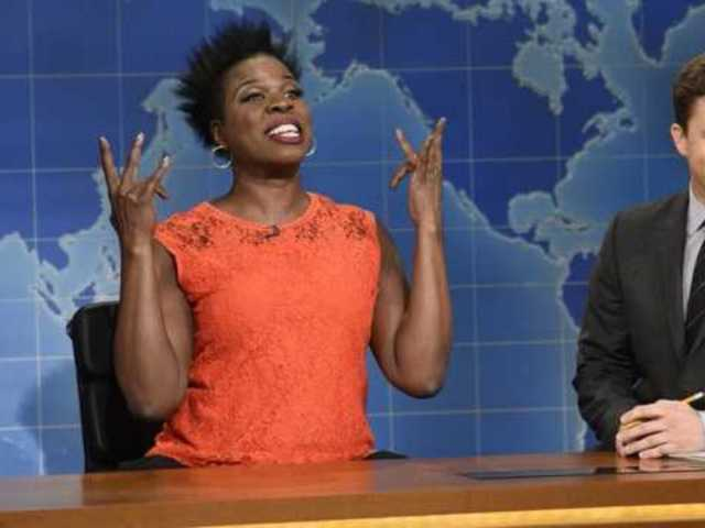 Leslie Jones Dominates 'Saturday Night Live' as Oprah Winfrey