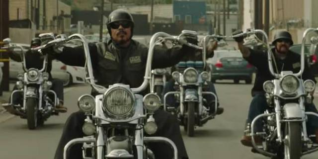 39 mayans mc 39 teaser reveals first look at the clubhouse. Black Bedroom Furniture Sets. Home Design Ideas