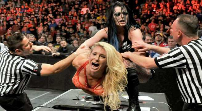 Paige-Charlotte-Raw-table
