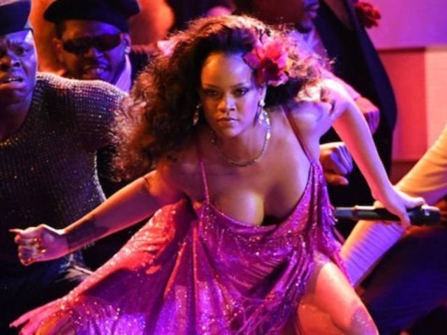 Rihanna Nearly Suffers Wardrobe Malfunction During 'Wild Thoughts' Grammys Performance