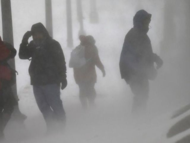 Weather Forecasters Warn to 'Minimize Talking' Outdoors as Deadly Polar Vortex Blasts Midwest