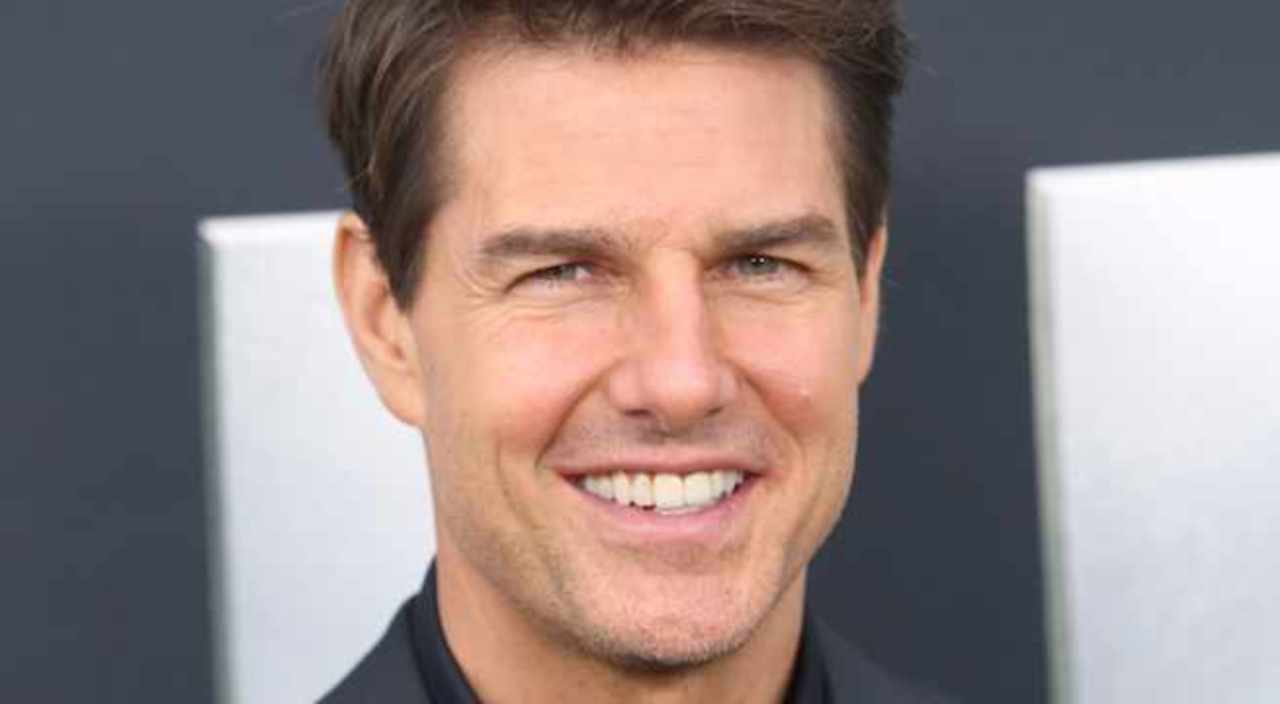 Tom Cruise Returns His 3 Golden Globes to Join Boycott Against HFPA.jpg