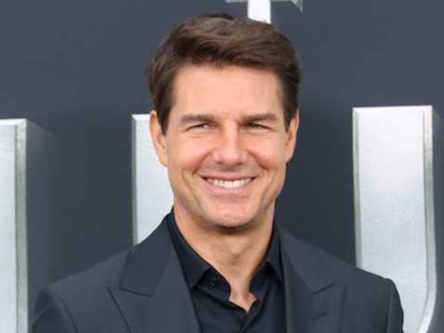 'Top Gun 2': Tom Cruise Suits up Again as Maverick