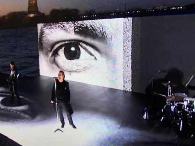 Fans Are Not Happy With U2's Grammys Performance