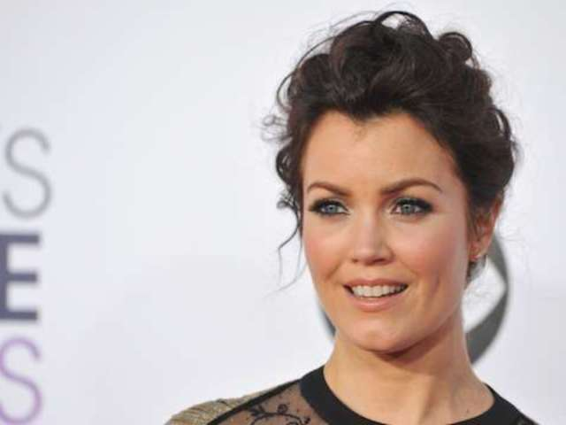 'Scandal' Star Bellamy Young Apologizes to Ryan Seacrest After Saying He Shouldn't Host the Oscars Red Carpet