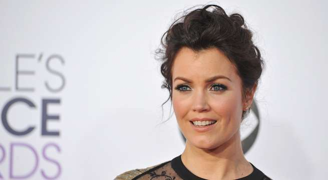 bellamy-young_Featureflash Photo Agency : Shutterstockcom