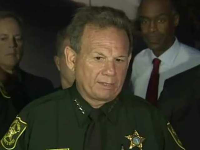 Broward Sheriff's Department Offers 'Safety Tips' and Twitter Chimes in Immediately