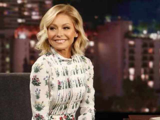 Kelly Ripa Returns to 'Live With Kelly and Ryan' After Severe Illness