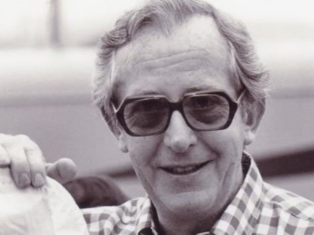 Lewis Gilbert, James Bond Movie Director, Dies at 97