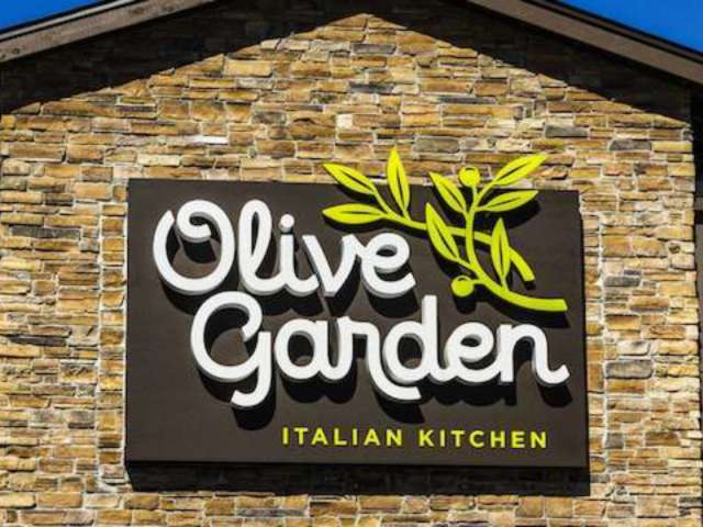 Olive Garden Sued After Woman Suffers Severe Burns From Stuffed Mushroom