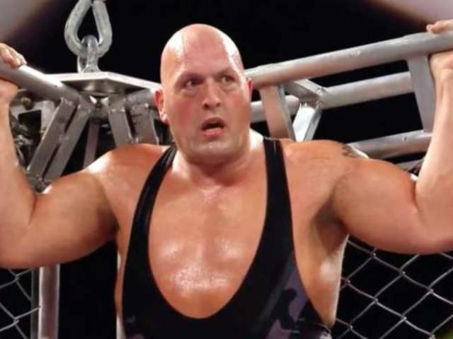 Big Show Had Loads of Trouble With Recent Hip Surgery