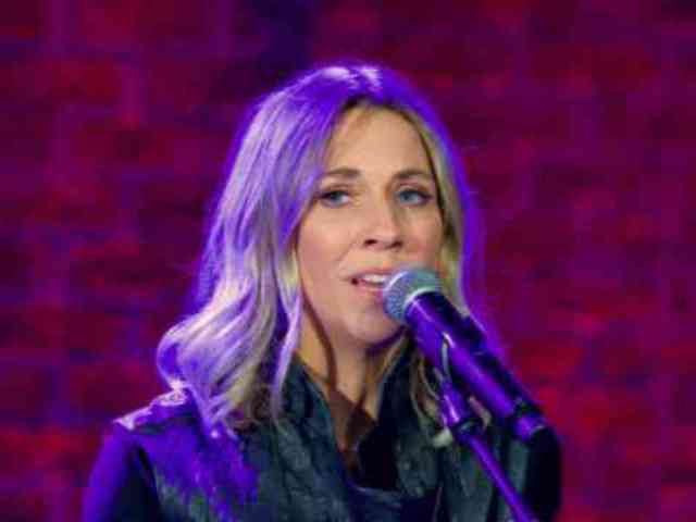 Exclusive: Watch Sheryl Crow's Performance on 'Front and Center'
