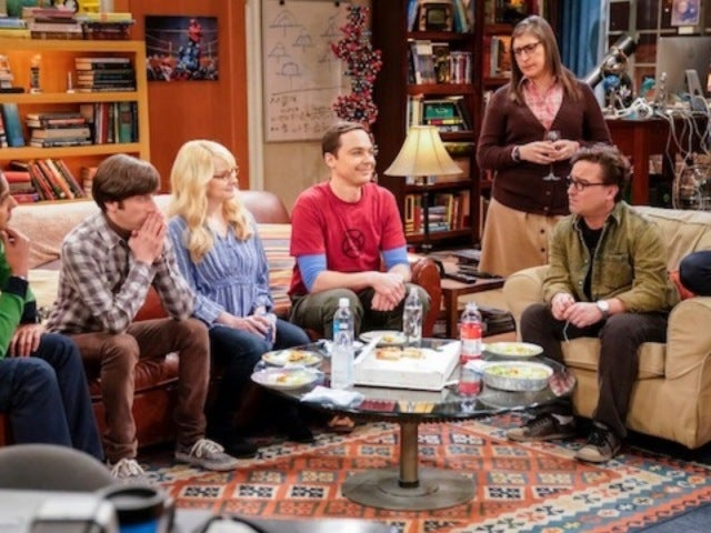 'Big Bang Theory' Kaley Cuoco Celebrates 'Last Supper' With Cast in New Photo