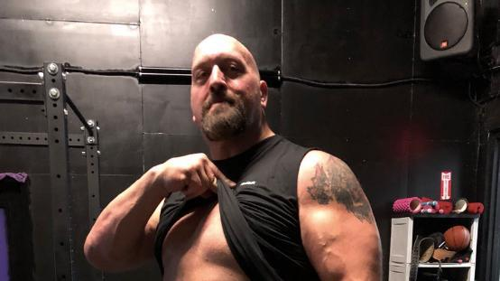 Big show flaunt abs wrestlemania