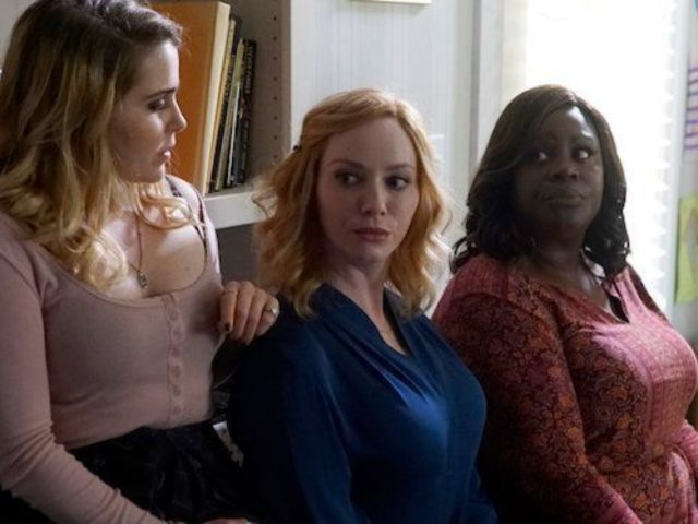 How 'Good Girls' Set up Its Future With Episode 2's Ending