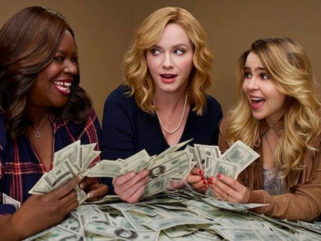 'Good Girls' Resolves Episode 1's Cliffhanger