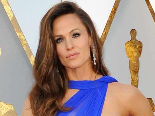 Jennifer Garner Spotted out With New Boyfriend John Miller