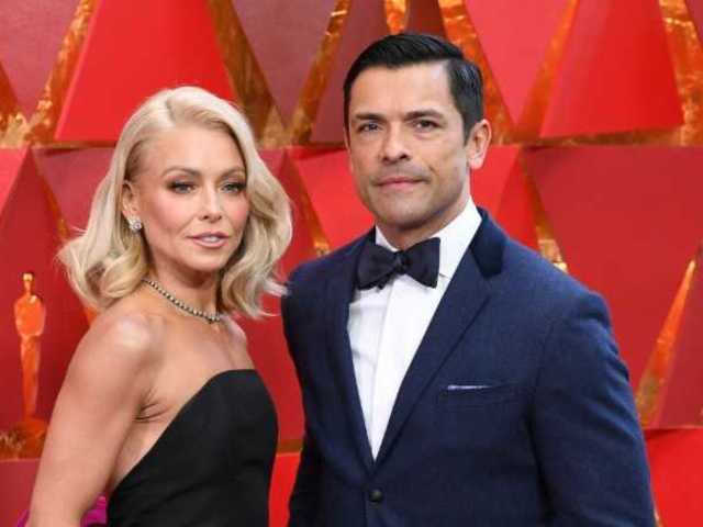 Kelly Ripa Swoops in on Ryan Seacrest Red Carpet Interview, Infuriating the Internet
