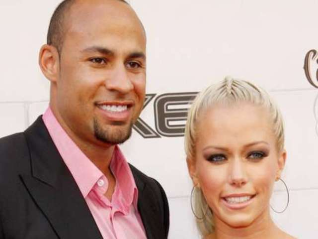 Kendra Wilkinson and Hank Baskett Divorce Stalls Due to Paperwork Error