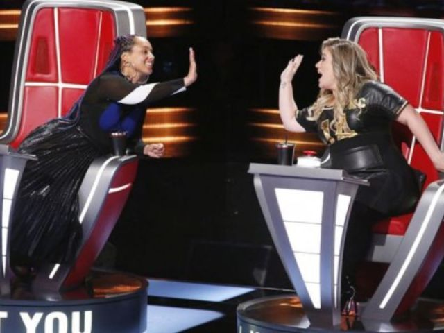 This Performance 'Broke' Kelly Clarkson on 'The Voice'