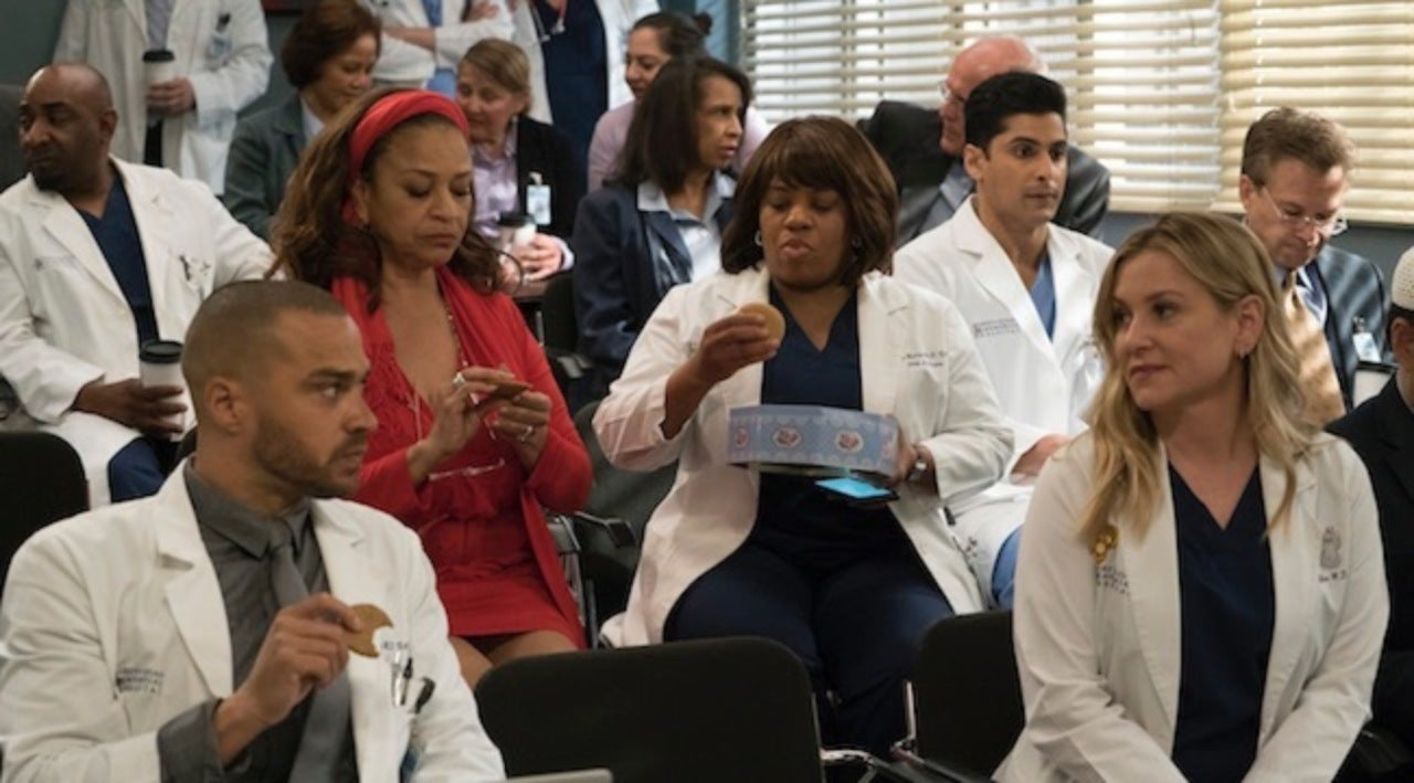 Grey\'s Anatomy\' Fans Can\'t Stop Laughing During \'Highly Entertaining ...
