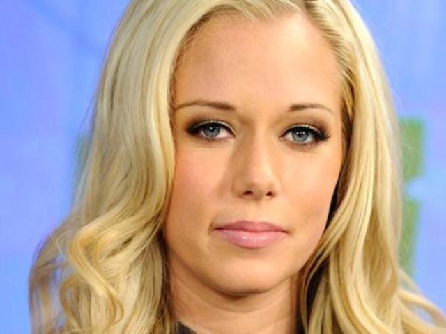 Kendra Wilkinson Insists She Isn't Dating Chad Johnson Despite Paparazzi Photos