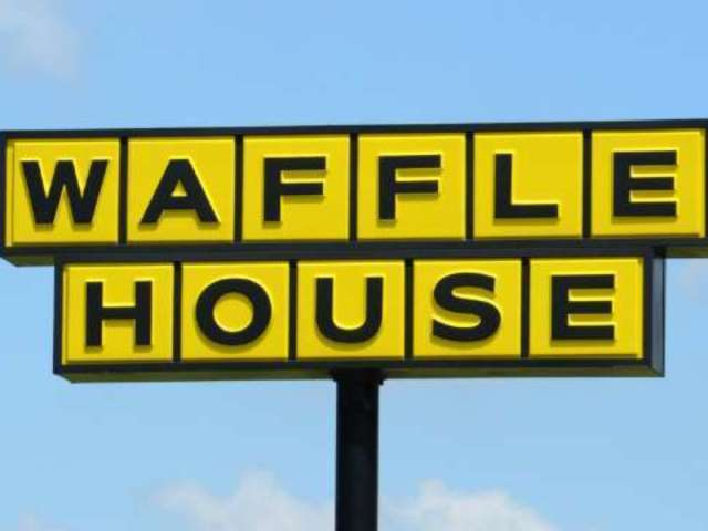 Waffle House Customers Scramble for Safety as Man Falls Through the Ceiling and Starts Fighting People