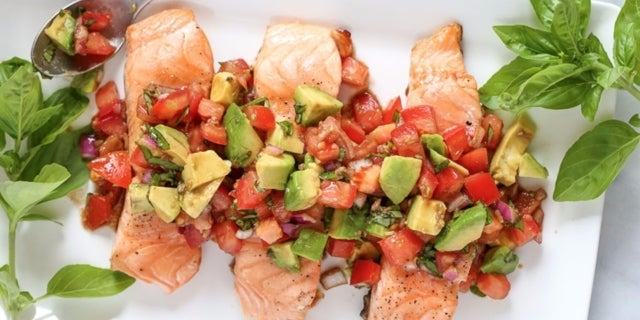 grilled-salmon-with-avocado-bruschetta-1-4