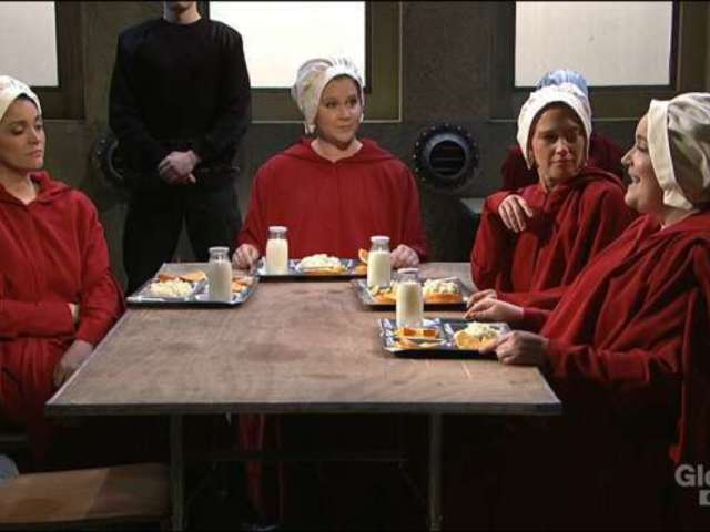 'SNL' Parodies 'The Handmaid's Tale' With 'Sex and the City' Twist