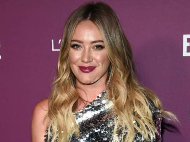 Hilary Duff Calls out Her Neighbor for Smoking