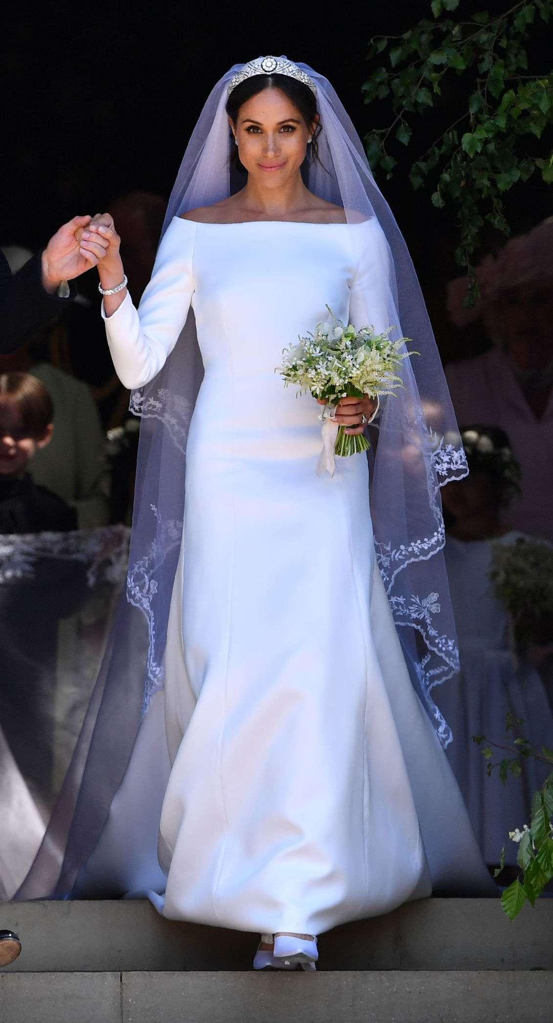 markle wedding dress