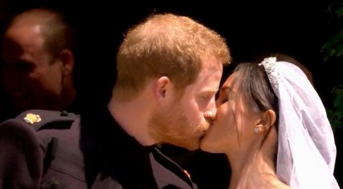 prince-harry-meghan-markle-first-kiss-royal-wedding