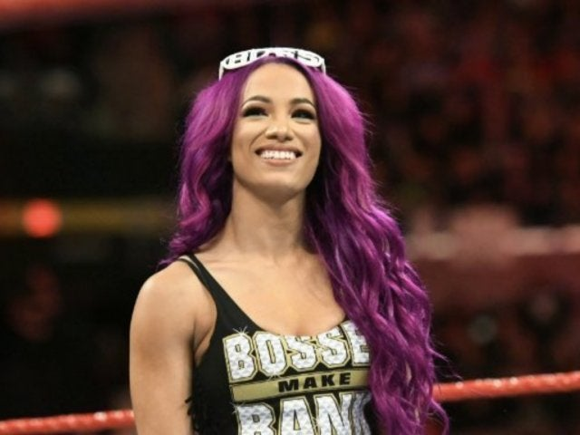 Sasha Banks Reportedly Signs New WWE Contract