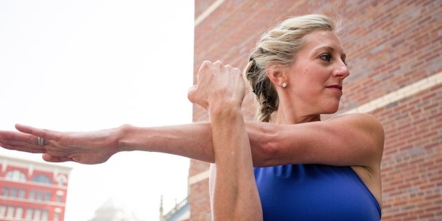 Stretches-Melissa-Outdoors_EDIT-2